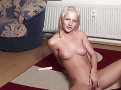 Blonde, Pussy